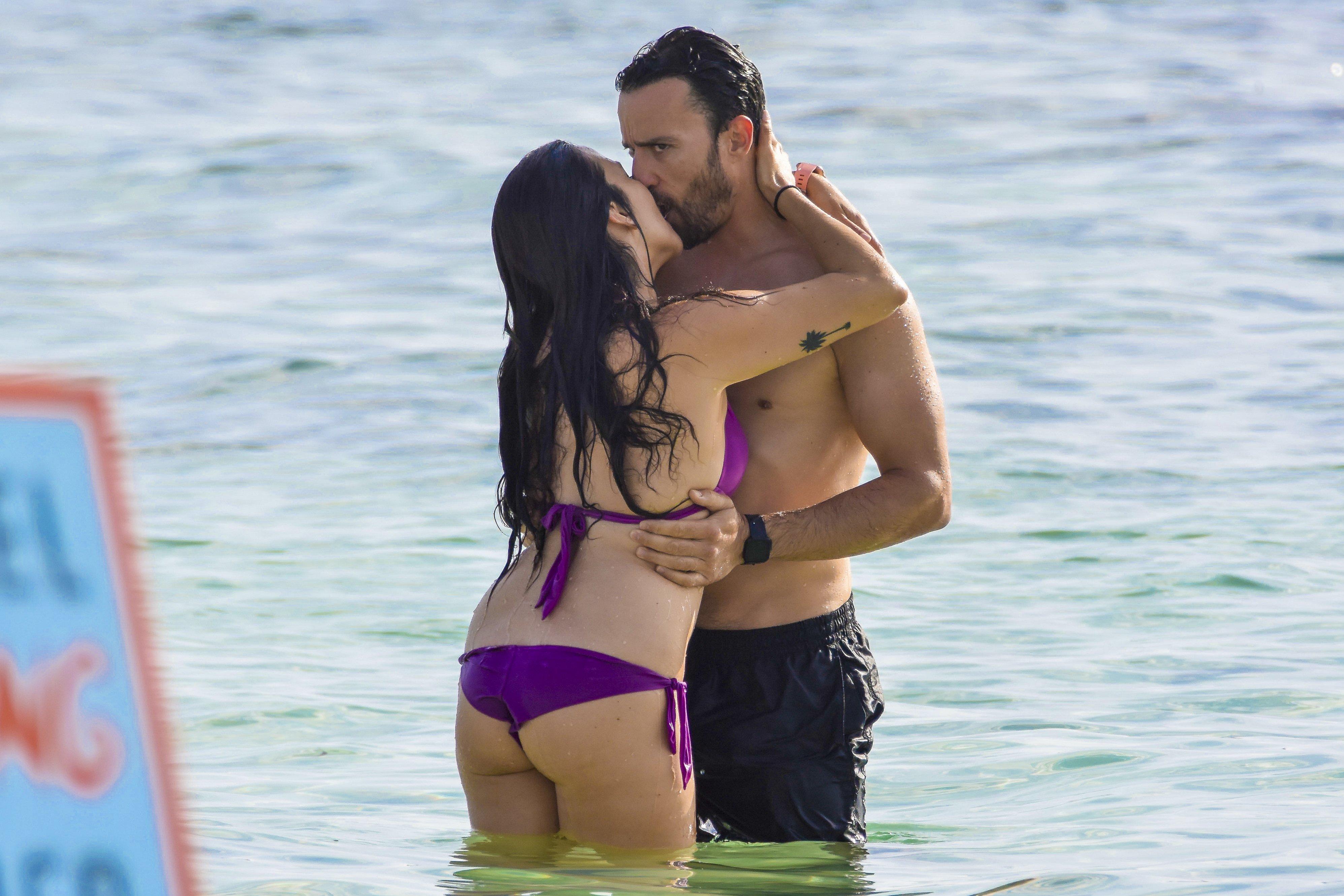 Roban Unas Imágenes De Irene Junquera En La Playa Con Pablo Puyol