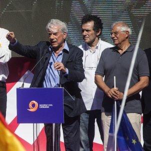 Vargas Llosa Borrell Barcelona unionisme manifestacio 08 10 2017 EFE