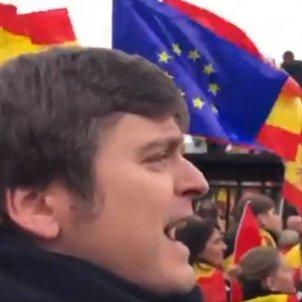 marci giro esta passant manifestacio madrid banderes espanya