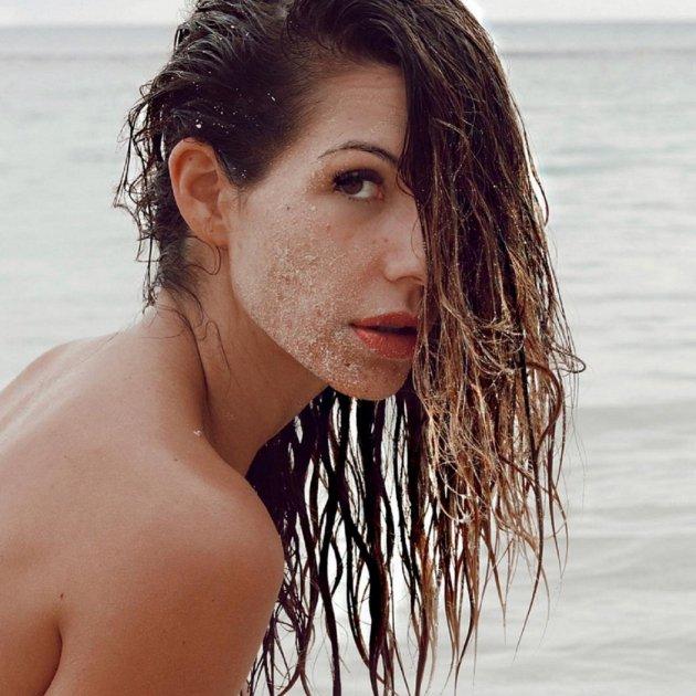 Infecta Reacción De La Red Al Desnudo Integral De Tamara Gorro
