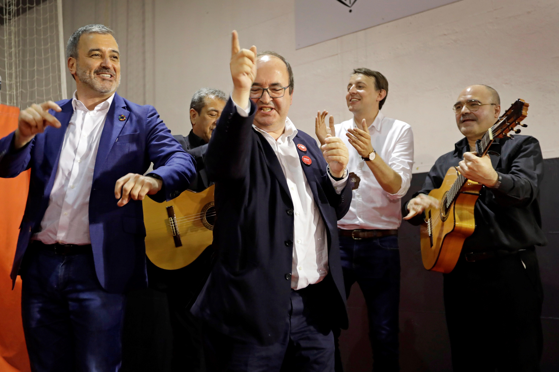 65bd3b698b04 Lluvia de críticas contra Iceta: así baila el día que suspenden a los  presos políticos
