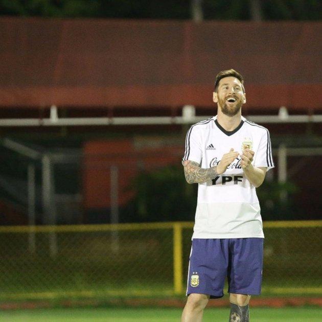 Messi rient @leomessi