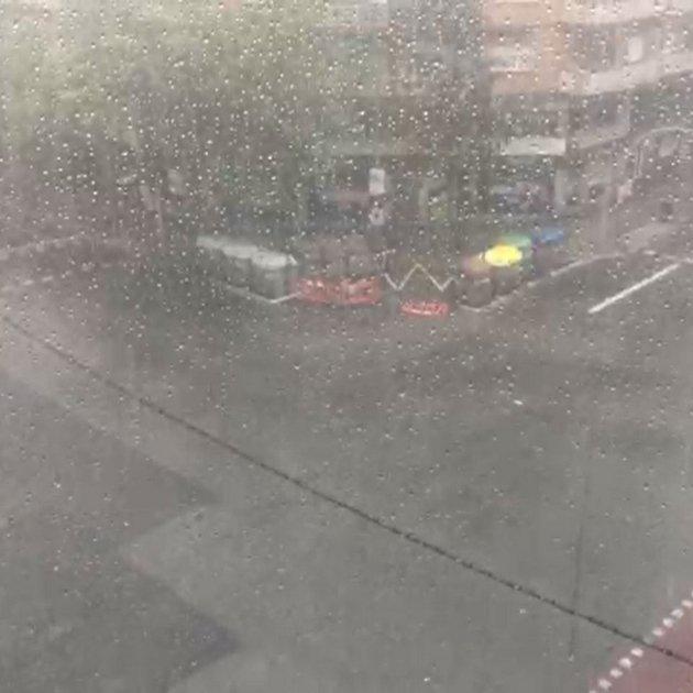 Pluja Barcelona EN Blau 12:00 Dissabte 27 juliol