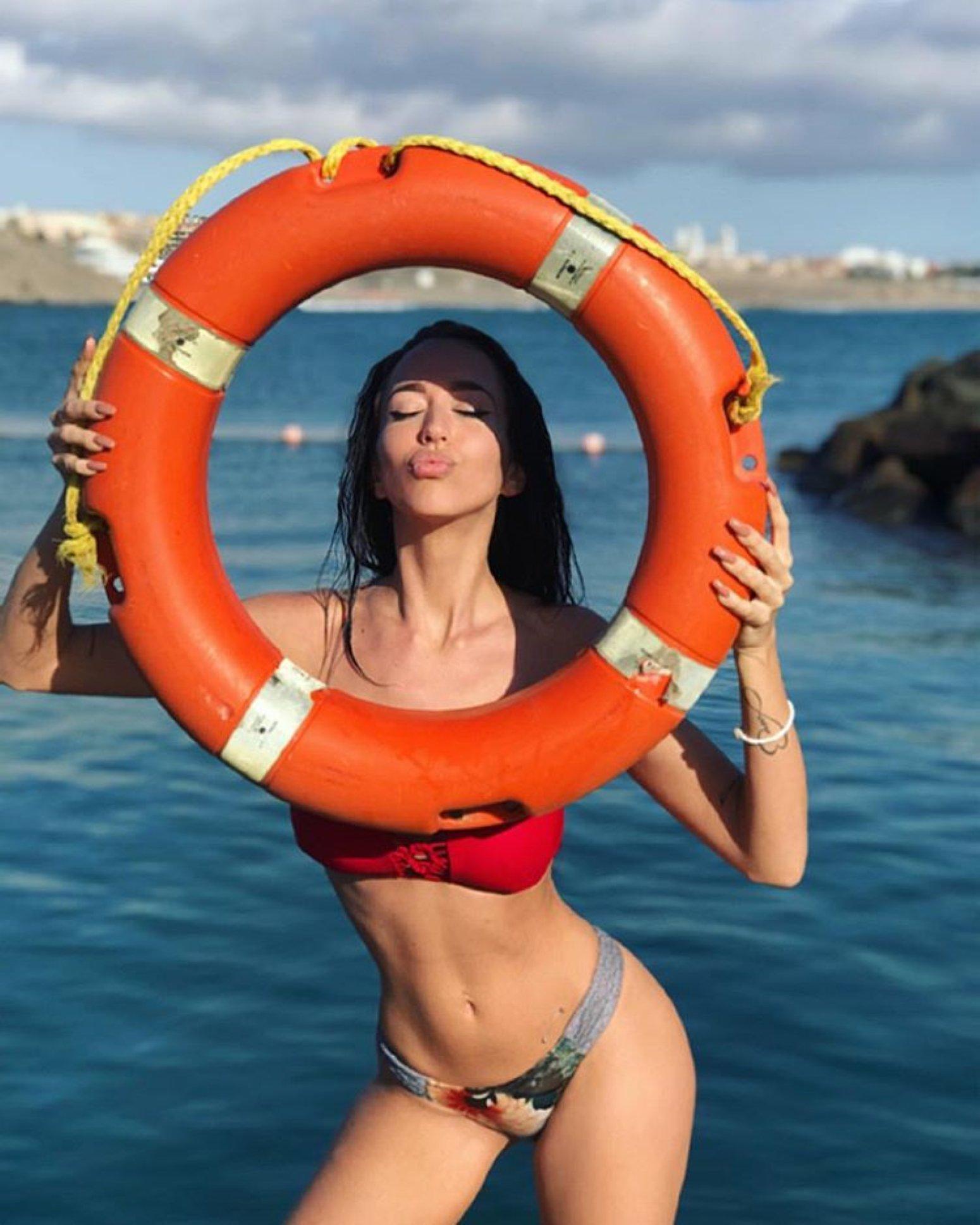 El topless más absurdo de Aurah Ruiz: Ya no sabe cómo llamar la atención
