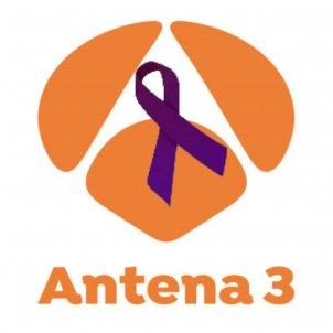 Antena3 llaç morat