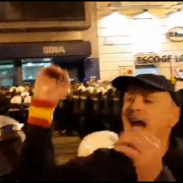 Ultres amenacen manifestants procatalans 2 Saragossa @jmanimar
