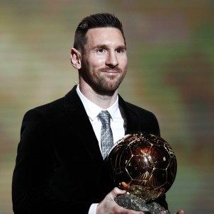 Leo Messi sisena Pilota Or France Football EFE