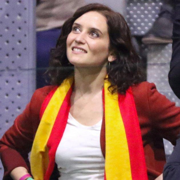 Diaz Ayuso bufanda espanya Europa Press