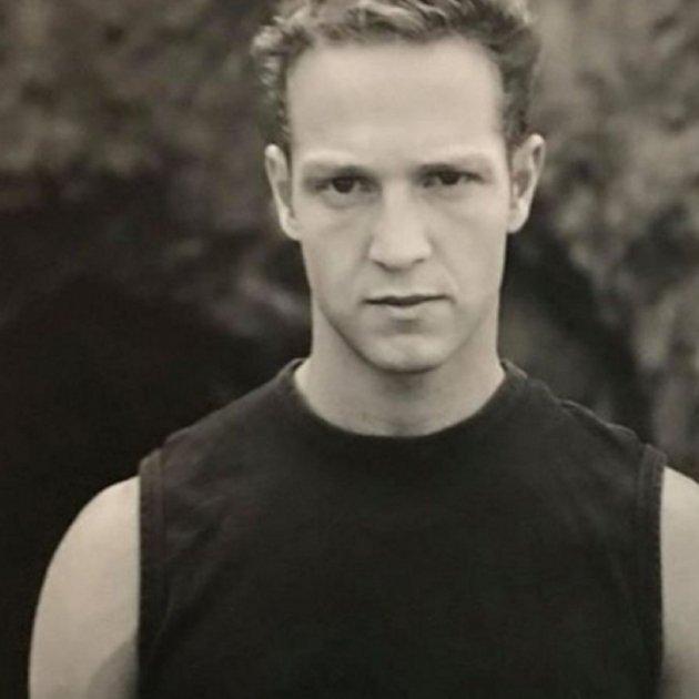 suicidi actor friends