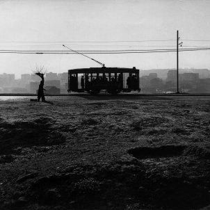 Tranvía en el paseo de Extremadura  - Archivo Paco Gómez / Fundación Foto Colectania
