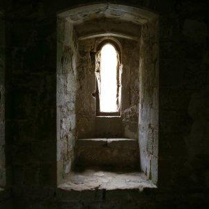 Història pseudohistòria finestra castell pixabay