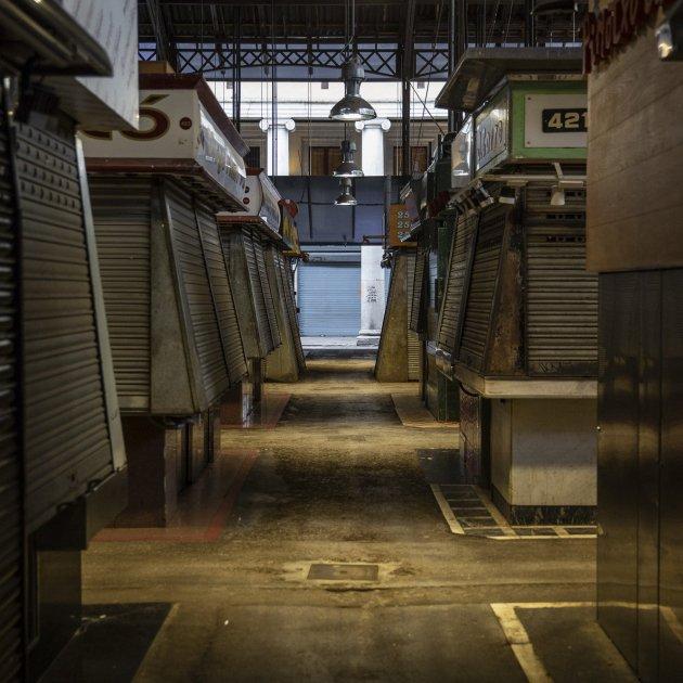 Coronavirus La Boqueria tancada mercat tancat Barcelona buida carrer buit - Sergi Alcazar