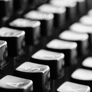 typewriter 726965 1920