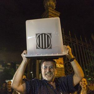 1-O referendum votacions urna mesa electoral - Sergi Alcazar