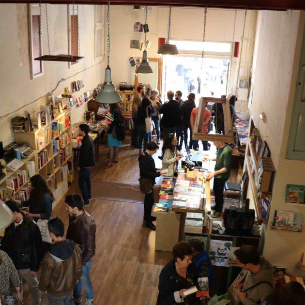 Barra Llibre llibreter foto Interior
