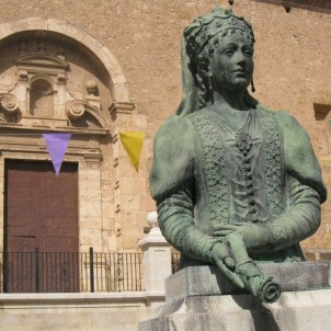 Dames reines abadesses Maria de Luna a Sant Martí sogorb enfo wikipedia
