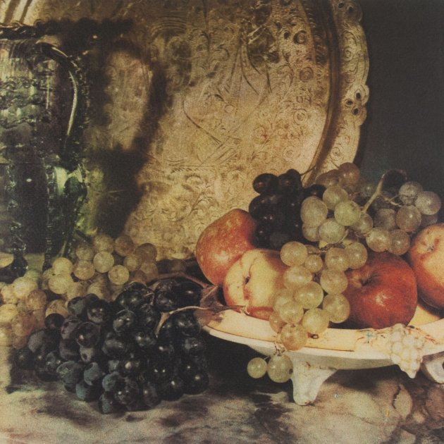 'Natura morta amb safata, gerra de vidre i fruita' de Casals i Ariet. MNAC