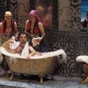 Escena de 'L'italiana in Algeri'. A Bofill Gran Teatre del Liceu