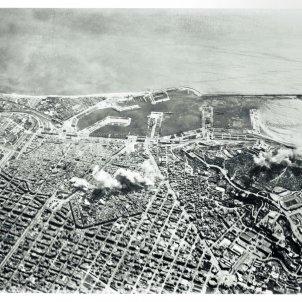 pag162 foto aeria AFCHCC topografia destruccio bombardeigs ajuntament barcelona