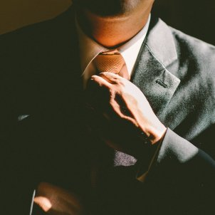 home corbata pixabay