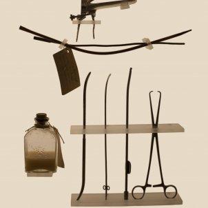 © Laia Abril. Avortament Kit de instrumentos ilegal