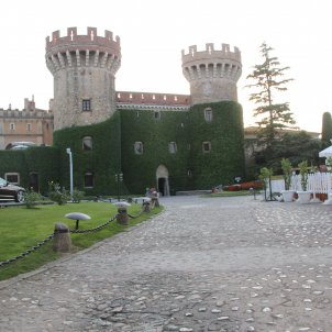Vista del Castell de Peralada Merx Wikimedia