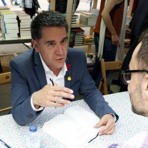 Sant Jordi signatures autors Martí Gironell ACN