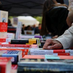 parada de llibres a la Rambla de Catalunya durant la diada de Sant Jordi ACN