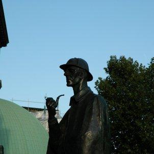 Estatua de Sherlock Holmes a Londres Biblioteca Arús detectius privats. Cindy Andrie Wikipedia