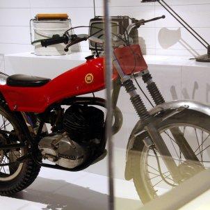 Imatge de la primera motocicleta de trial de la història, de Leopoldo Milá, incorporada recentment a l'exposició permanent del Museu del Disseny de Barcelona 'Del món al museu