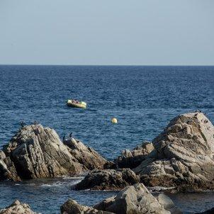 platja turisme estiu turistes sol mar costa brava mediterrani - Carles Palacio