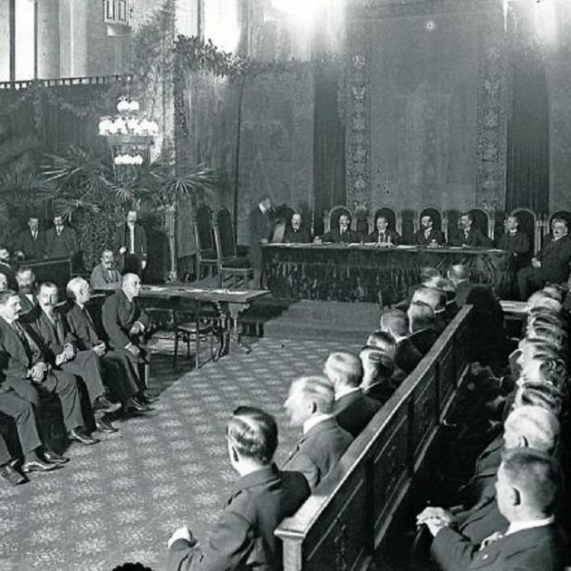 Primo de Rivera destitueix el diputats de la Mancomunitat. Diputats de la Mancomunitat. Font Arxiu Nacional de Catalunya. Fons Brangulí