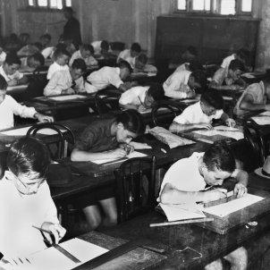 alumnes classe aula balnc negre  foto state library queensland