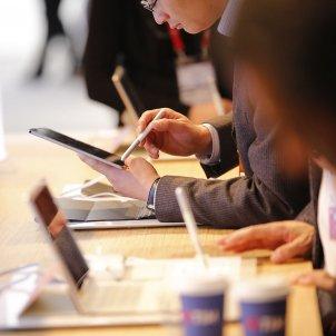 Mobile tablet ambient Sergi Alcàzar