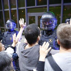 manifestacio cdr estacio sants mossos esquadra sergi alcazar
