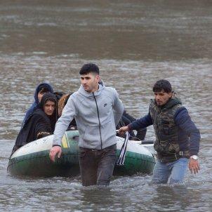 Refugiados intentan llegar a Europa EFE