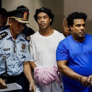 Ronaldinho preso Paraguai policia EFE