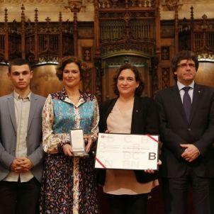 Medalla d'or Muriel casals Puigdemong Colau Forcadell - Sergi Alcàzar