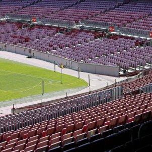 Camp Nou buit butaques graderia porta tancada - Sergi Alcàzar
