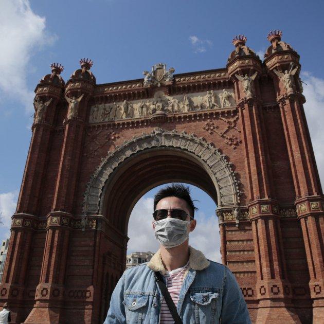 Arc de Triomf Turista Coronavirus mascareta - Sergi Alcàzar