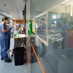 Hospital Clinic coronavirus protecció mascareta - Francisco Àvia Hospital Clínic