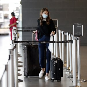 coronavirus mascareta aeroport - efe