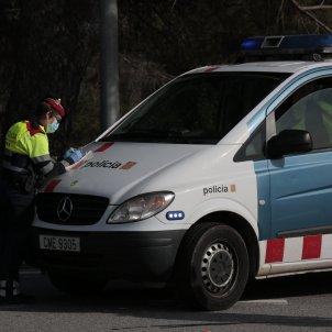 Control policial policia furgoneta arro mossos d'esquadra multa sancio furgoneta mascareta coronavirus - Sergi Alcàzar