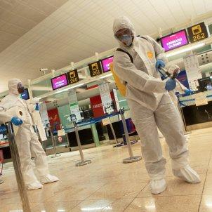 aeroport el prat fumigat exercit coronavirus EFE