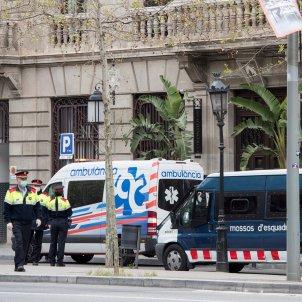 coronavirus  mossos mascareta malalts  cotton club hotel   barcelona   EFE