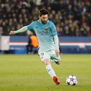 Leo Messi Jordi Alba falta PSG Barça EFE