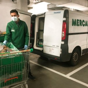 Mercadona supermercat coronavirus mascareta transport menjar compra - Europa Press