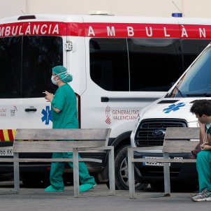 coronavirus ambulancia valencia sanitaris mascareta sanitat hospital - Europa Press