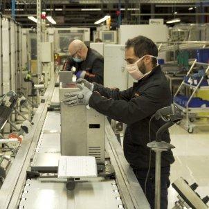 SEAT fabrica respiradors hospitals - Efe