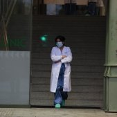 Coronavirus mascareta infermera Hospital Clinic Sanitaris - Sergi Alcàzar